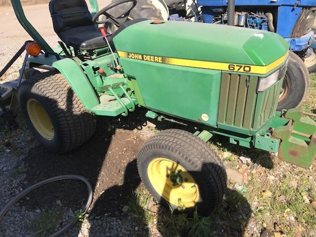 John Deere 670 tractor